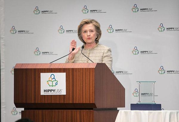 """""""超人妈妈""""美国课程由前国务卿希拉里- 克林顿引入"""
