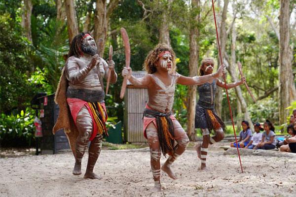 体验和学习澳大利亚土著民族的文化